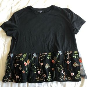 Lea and Viola Flower Embroidery T-shirt